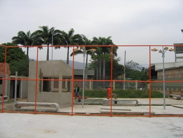 Vista do campo em construção<br />Imagem dos autores do projeto