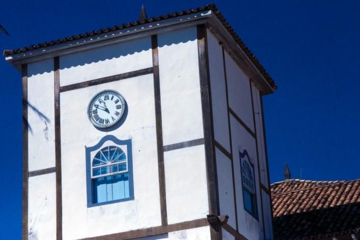 Detalhe de uma das torres da Igreja Matriz de Nossa Senhora do Rosário<br />Foto Fabio Lima