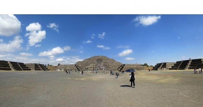 Teotihuacán, Avenida dos Mortos, México<br />Foto Victor Hugo Mori