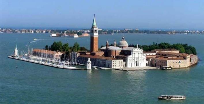 Ilha de San Giorgio Maggiore, Veneza, localização das capelas do Vaticano<br />Foto divulgação  [Acervo Carla Juaçaba]