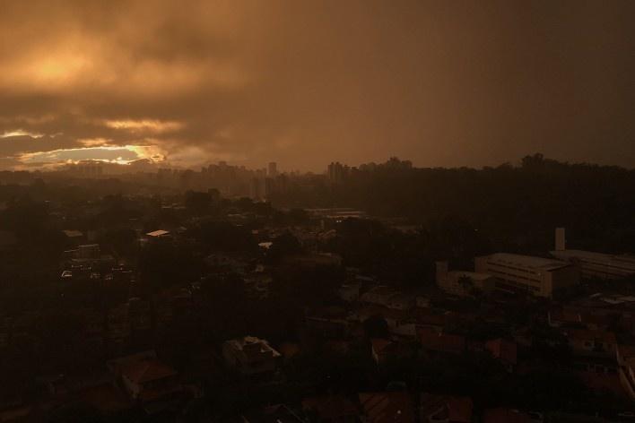 """Ensaio """"Alvoradas e crepúsculos""""<br />Foto Claudia Stinco"""