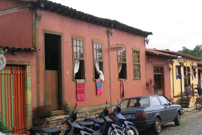 Rua com lojas em Pirenópolis<br />Foto Luís Magnani