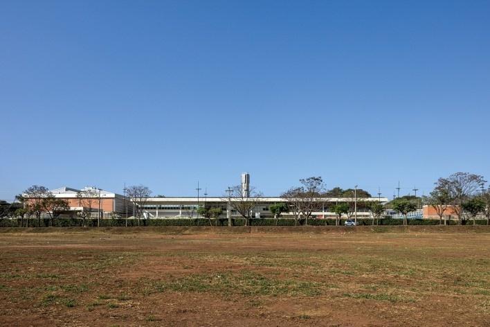 Sesc Araraquara, 2000. Arquitetos Abrahão Sanovicz e Edson Jorge Elito<br />Foto Leonardo Finotti