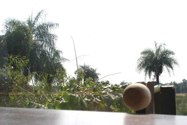 Casa en el aire. Imagen desde la ventana. Sergio Fanego, Larissa Rojas, Miguel Duarte. Luque, Paraguay. 2008-2010.
