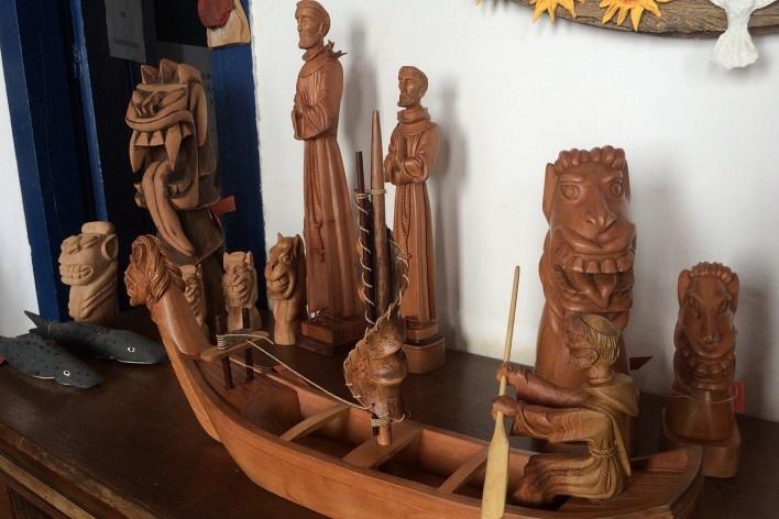 Carrancas, artesanato em madeira e o Rio São Francisco<br />Foto Ana Carolina Brugnera / Lucas Bernalli Fernandes Rocha