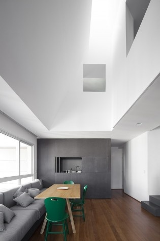 Apartamento Vazio, São Paulo, 2015, arquitetos Marina Acayaba e Juan Pablo Rosenberg<br />Foto Maíra Acayaba