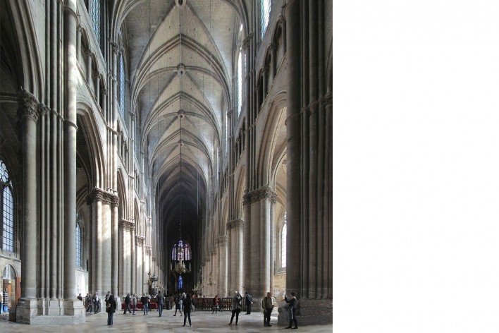 Alexandrina Mori na Catedral de Reims, França, 2014<br />Foto Victor Hugo Mori