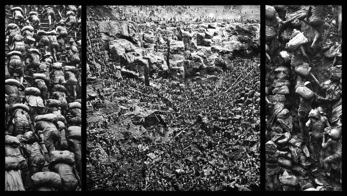 """""""O inferno de Bosch segundo Sebastião Salgado"""", tríptico 1, fragmentos da exposição fotográfica """"Gold – Mina de Ouro Serra Pelada""""<br />Fotomontagem de Abilio Guerra"""