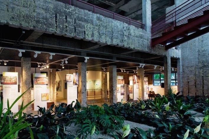 Praça Victor Civita, São Paulo, 2008. Adriana Blay Levisky e Anna Julia Dietzsch / Levisky Arquitetos Associados