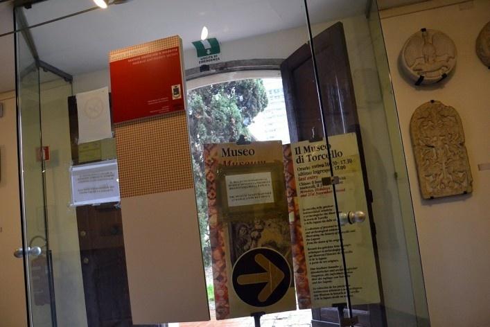 Entrada do Museu de Torcello<br />Foto/photo Fabio Lima