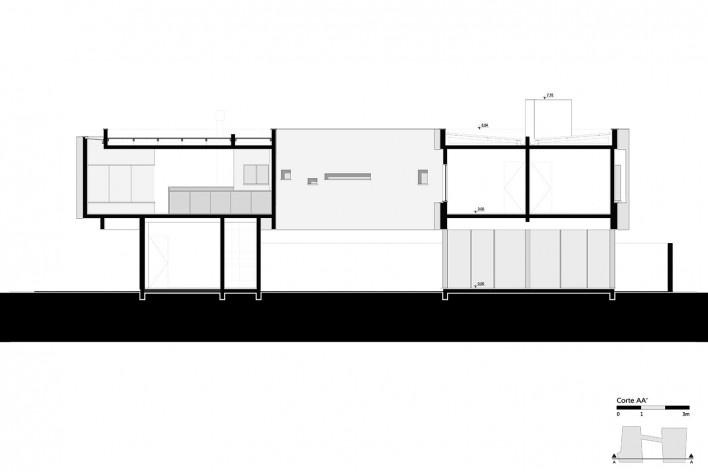 Casa 2V, corte AA, Porto Alegre RS Brasil, 2013. Arquitetos Diego Brasil e Anderson Calvi / BR3 Arquitetos<br />Imagem divulgação  [BR3 Arquitetos]