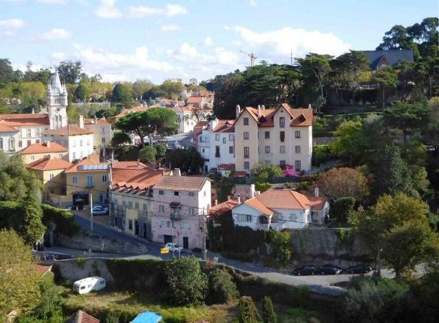 Caminho para o Castelo dos Mouros, região de Sintra<br />Foto Anita Di Marco