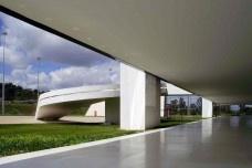 Niemeyer e a modernidade sem crise
