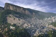 Participação comunitária e projeto urbano em favelas