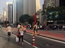 Avenida Paulista pedestrianizada aos domingos, São PauloFoto Abilio Guerra