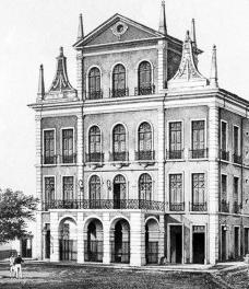 O pórtico saliente com arcos e terraço na arquitetura oitocentista brasileira