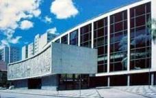 Arquitetura de Luiz Forte Netto: transformações da poética paulista
