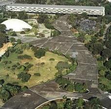 Espaços públicos ou espaços para o público?