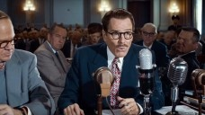"""Dalton Trumbo (Bryan Cranston) recusa-se a depor no Congresso norte-americano, na comissão que investigava atividades antiamericanas. Fotograma do filme """"Trumbo"""", direção de Jay RoachFoto divulgação"""