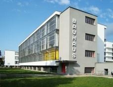 ... e sempre a Bauhaus