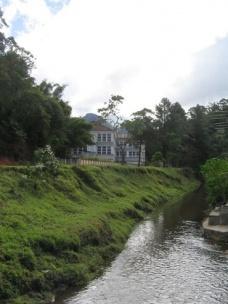 bf236ca8fd Figura 5 – Via secundária margeando o rio Bengala e contornando a fábrica  Ypu (vista a partir do lado de Ponte da Saudade) Eliane Lordello (junho de  2009) ...