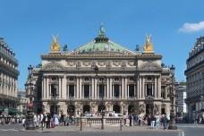Ópera Garnier de ParisFotomontagem Victor Hugo Mori, 2019