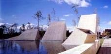 Cemitérios contemporâneos. Entre a vida e a morte