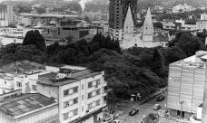 Vista geral da praça e seu entorno [Arquivo Histórico Pedro Milanez, Criciúma SC]