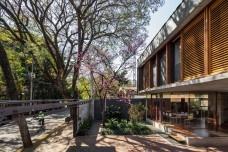 Casa Villa Lobos, 2018, São Paulo SP Brasil. Arquitetos Cristiane Muniz, Fabio Valentim, Fernanda Barbara e Fernando Viégas/ Una ArquitetosFoto Nelson Kon