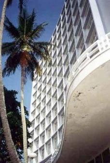 """Edifício """"Sobre as Ondas"""", um ícone da arquitetura moderna no litoral brasileiro"""
