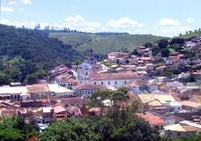 Carnaval caipira em São Luiz do Paraitinga. Chuva, suor, cerveja e chita