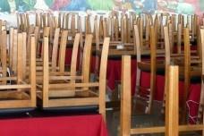 Versão popular da Santa Ceia de Leonardo da Vinci em restaurante de beira e estrada na Rodovia Fernão DiasFoto Michel Gorski  [passe o mouse sobre a foto]