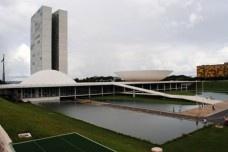 As praças cívicas pós-independência do Brasil