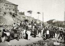 Demolição do Morro do Castelo para a construção da avenida Central, Rio de Janeiro, 1904Foto Torres  [Instituto Moreira Salles]