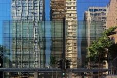 Detalhe da fachada de Shopping Center na Avenida Paulista, São PauloFoto Abilio Guerra