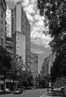 Oscar Niemeyer: a arquitetura renegada na cidade de São Paulo
