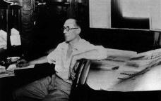Le Corbusier a bordo do navio Lutetia retornando do Brasil à França, 1929Foto divulgação  [SEGRE, Roberto. Ministério da Educação e Saúde]
