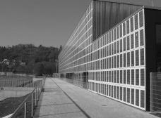 Tubingen Sporthalle, exemplo de BIPV Foto divulgação  [Wiki Commons]