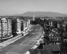 Parque linear sobre linha de trem CFF, marcação no solo para avaliação de usos, Geneva, Suíça, 1992-2002. Arquiteto Pierre BonnetFoto divulgação