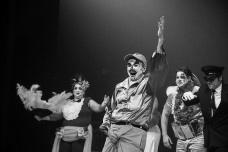 """Marcelo Drummond como Abelardo, em """"Rei da Vela"""", de Oswald de Andrade, montagem do Teatro Oficina Uzyna UzonaFoto divulgação"""