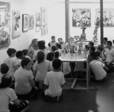 Mediação com uma turma de crianças, educativo da Bienal Naifs do Brasil 2018, Sesc PiracicabaFoto Letícia de Carvalho Santos