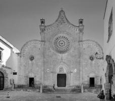 Catedral de Santa Maria Assunta, Ostuni, ItáliaFotomontagem Victor Hugo Mori, 2016
