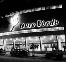 Cine Teatro Ouro Verde, Londrina, 1948-1952, arquitetos Vilanova Artigas e Carlos CascaldiFoto de Yutaka Yasunaka  [Wikimedia Commons]