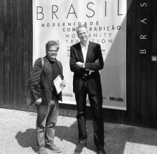 Adalberto da Silva Retto Júnior, correspondente Vitruvius, e André Corrêa do Lago, curador da participação brasileira na Mostra de Arquitetura da Bienal de VenezaFoto divulgação