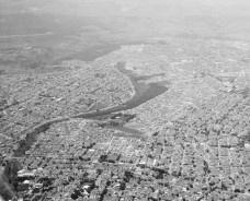 Foto aérea da zona sul de São José dos Campos Foto Fontela 01  [Wikimedia Commons]