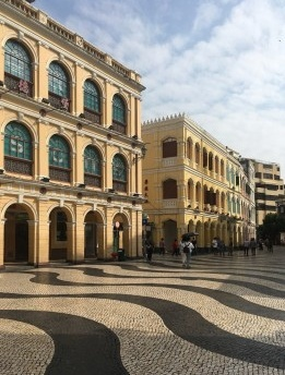 Brasília, Lisboa, Macau