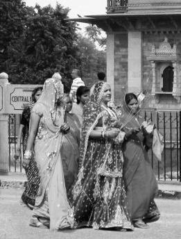 Diante do Museu Albert Hall em Jaipur, Índia