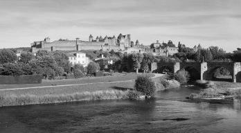 Carcassonne, a cidade medieval de Viollet-le-Duc