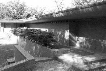 Frank Lloyd Wright, na próxima saída à direita