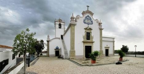 Igreja de São Lourenço em Almancil, Algarve, PortugalFotomontagem Victor Hugo Mori, 2017